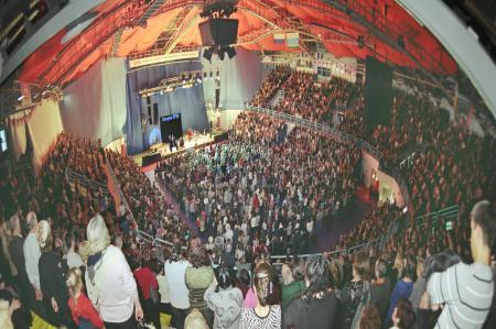 Yekatrinburg, Russia - Mega evento di Chanuccà con 6000 persone